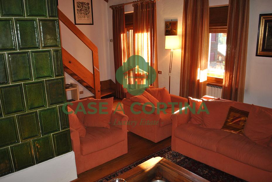Salottoappartamento2 via del castello.jpg